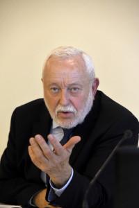 17 novembre 2015. Bruxelles. Jean-Louis DUMONT, président de l'Union sociale pour l'habitat. Université Europe des ESH (les Entreprises Sociales pour l'Habitat). Photo: Marc Chaumeil Tél:+33681670620